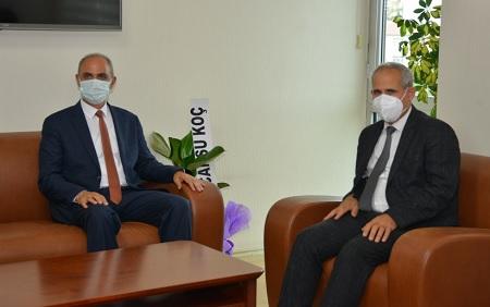 Rektör Karakaya Başhekim Doç. Dr. Ali Güneş'i ziyaret etti