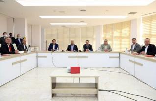CHP'li Belediye Başkanları Türkiye Belediyeler Birliği Başkanı Fatma Şahin'e çağrıda bulundular